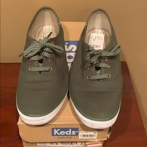 Forest Green Keds